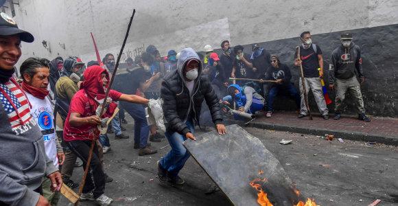 Ekvadoro vyriausybė ir protestuotojai susitarė nutraukti kruvinus neramumus