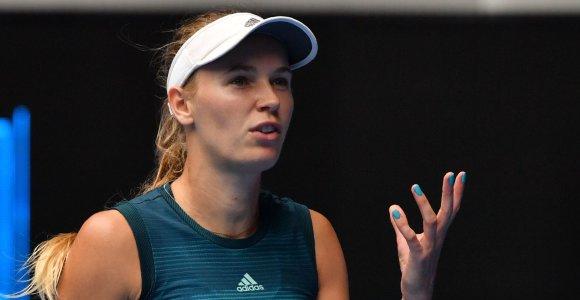 Turnyras Madride baigėsi vos prasidėjęs – C.Wozniacki pasitraukė dėl traumos
