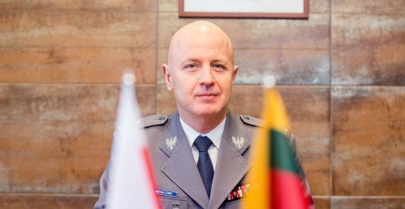 Pokalbis su Lenkijos policijos vadovu: apie bendrus tikslus, bažnyčios kovą su sukčiais ir už ką gyvi žmonės gula į lavonmaišius