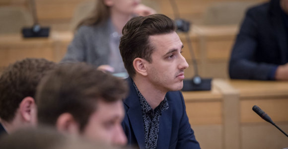 Studentai apie prievolę atidirbti Lietuvoje: tai dar labiau padidins emigracijos mastus