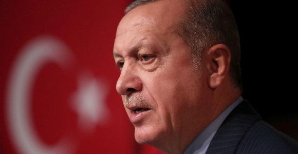 R.T.Erdoganas patvirtino, kad Turkija atvėrė savo sieną su ES pabėgėliams iš Sirijos
