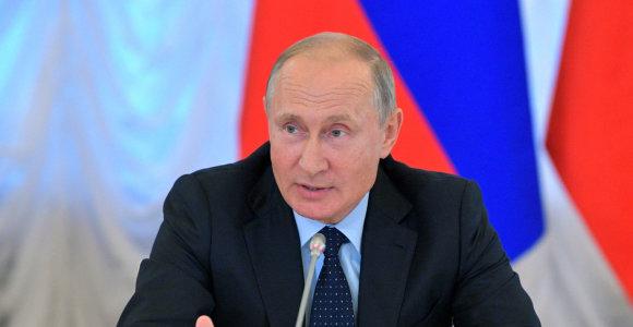 V.Putinas dalyvaus Pirmojo pasaulinio karo pabaigos 100-ųjų metinių ceremonijoje Paryžiuje