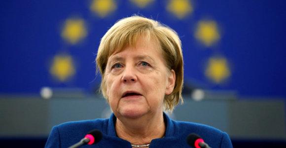 Kas pastatyta ant kortos A.Merkel įpėdinio rinkimuose?