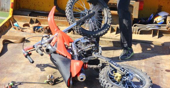Tragiškas šeštadienis Anykščiuose: prie stadiono žuvo su automobiliu susidūręs motociklininkas