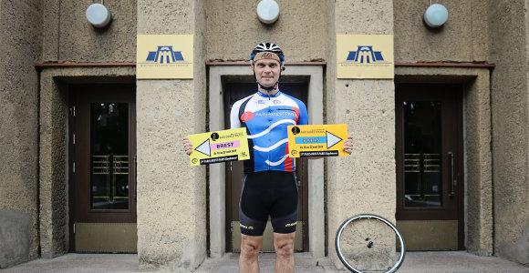 """1200 km per 88 val. dviračiu įveikęs Kauno dėstytojas: """"Važiuojant sviro galva – nebelaikė kaklo raumenys"""""""