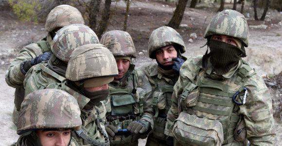 """JT""""ruošiasi blogiausiam scenarijui"""" dėl gresiančio turkų puolimo Sirijoje"""