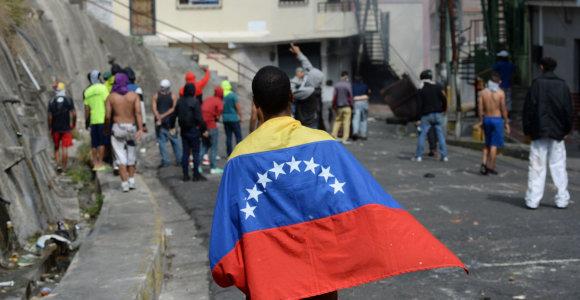 Pasaulio bankas: Venesuelos BVP iki metų pabaigos sumažės dar ketvirtadaliu