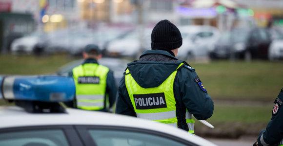 """Kaunietis vartojo alkoholio, kad """"geriau miegotų"""", bet policininkai jį sučiupo ne lovoje"""