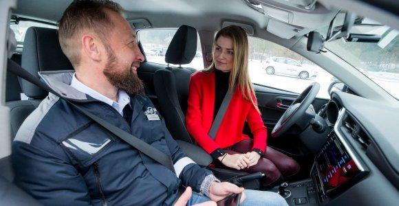 """""""Regitra"""": pažangios technologijos automobiliuose padės būsimam vairuotojui, o ne vairuos už jį"""