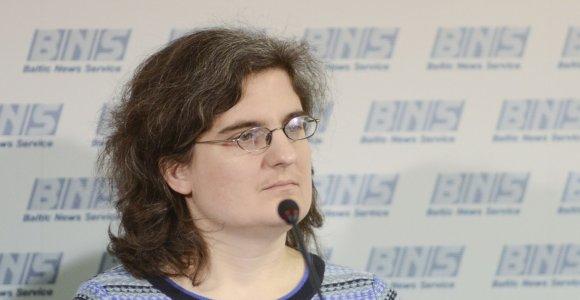 """Politologė Ainė Ramonaitė: """"Žmonės jau spėjo primiršti sovietmečio absurdą"""""""