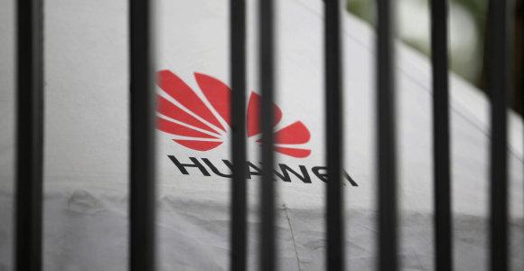 """Jau kitą savaitę gali išaiškėti, ar britai įsileis """"Huawei"""" į savo 5G tinklus"""