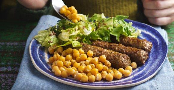 Savaitgalio valgiaraštis: nuo pusryčių blynų iki troškinių ir naminių kibinų