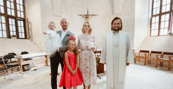 Donatas ir Dainė Baumilos pakrikštijo antrą dukrą Mėtą