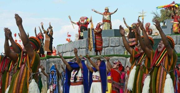 Kuske tūkstančiai žmonių šventė inkų Saulės šventę