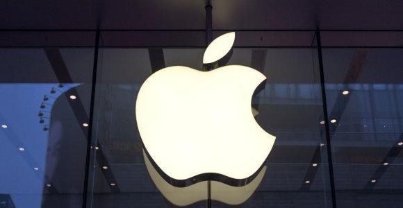 """""""Apple"""" įspėjo, kad JAV muitai Kinijai atsisuks prieš amerikiečių bendroves"""