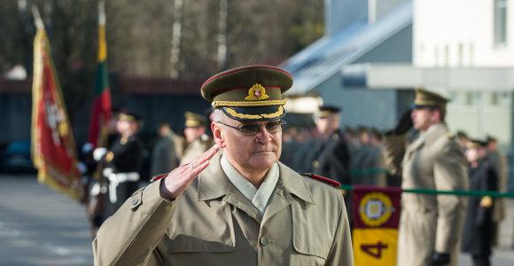 Karo akademijos viršininkas išeina į atsargą