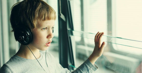 ŠMSM parengė rekomendacijas mokykloms, padėsiančioms ugdyti autistiškus mokinius