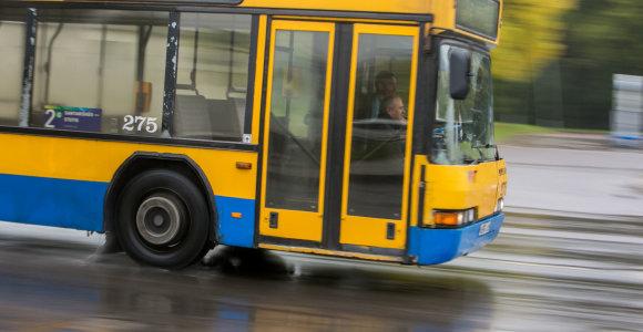 """Draudikai: sužalojimų ir traumų skaičiumi viešasis transportas lenkia ir BMW, ir """"Volkswagen"""""""