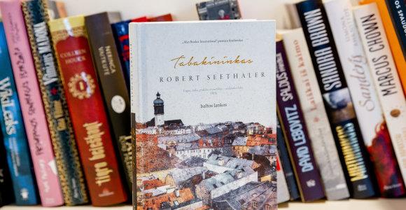 """Knygos recenzija. R.Seethalerio """"Tabakininkas"""" – likimo pasirinkimas siaubo fone"""