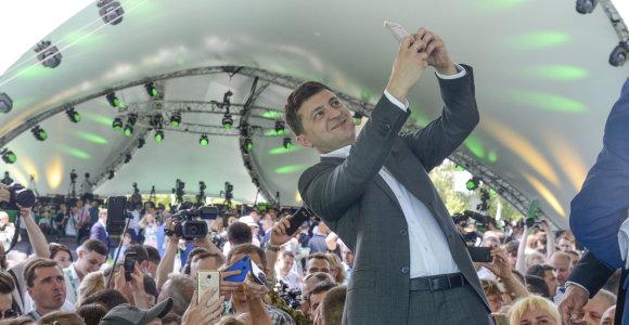 Ukrainos parlamento rinkimai: triumfuos naujokai, bet oligarchų įtaka niekur nedingo