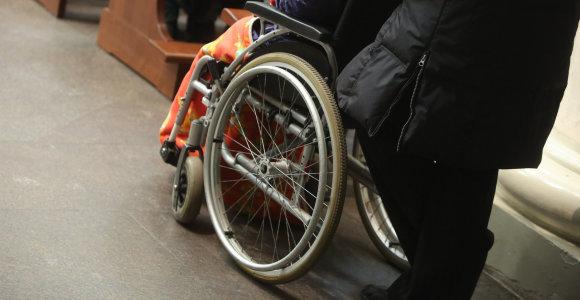Neįgalūs senukai Prienų globos namuose balsuoti buvo varomi prievarta