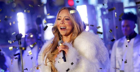 """Atlikėja Mariah Carey atskleidė kalėdinio hito """"All I Want For Christmas Is You"""" gimimo istoriją"""