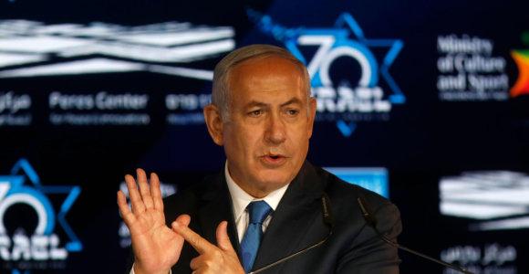 Likus dviem dienoms iki rinkimų Izraelis patvirtino naują nausėdiją