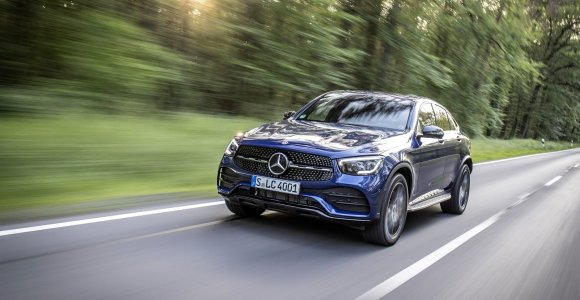 """Technologijų kupinas naujasis """"Mercedes-Benz GLC"""": plati variklių gama ir """"Coupé"""" versija"""
