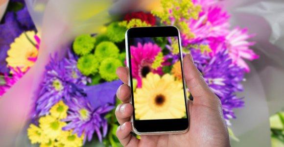 Gėlių etiketo žinovė J.Leonavičienė: svarbu žinoti ir gėlių reikšmę, ir kiek jų teikiama
