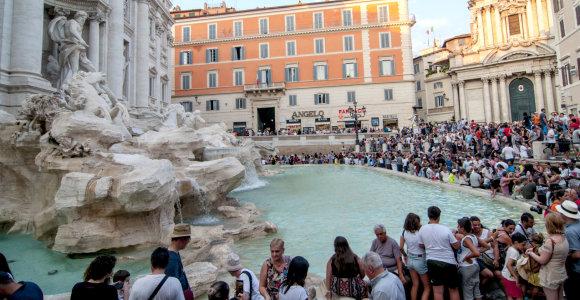 """Romos valdžia atims iš """"Carito"""" Trevi fontano monetas"""