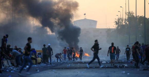 """Bagdade """"neatpažinti snaiperiai"""" nukovė keturis žmones"""