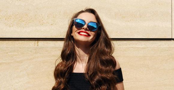 Akiniai nuo saulės padeda išvengti rimtos akių ligos