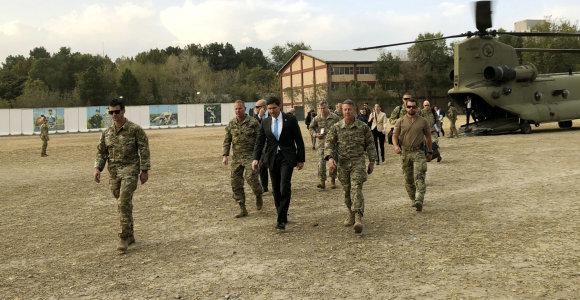 JAV gynybos ministras atvyko iš anksto neskelbo vizito į Kabulą