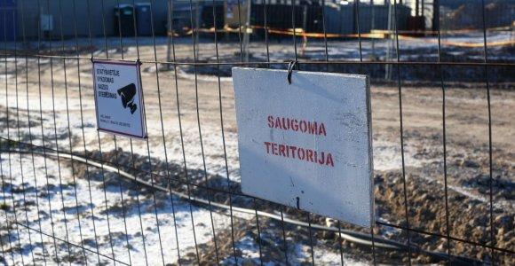 Naujo kalėjimo prie Šiaulių kol kas nebus: administracijos pastatas kyla, bet pritrūko kalinių