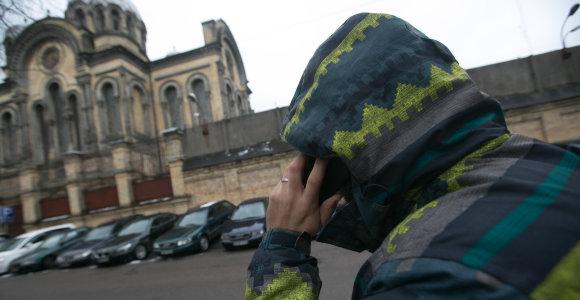 Kauno policijos viršininku apsimetęs kalinys studentę įtraukė į slaptą operaciją kare prieš narkotikus