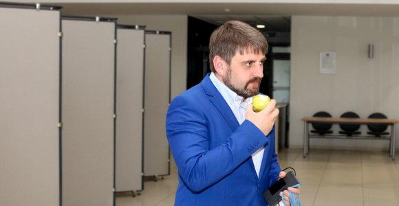 VRK nutraukė už kolegą balsavusio V.Urbonavičiaus įgaliojimus Vilniaus taryboje