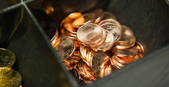 Lietuviai euro naudos neįžvelgia, verčia kaltę dėl išaugusių kainų