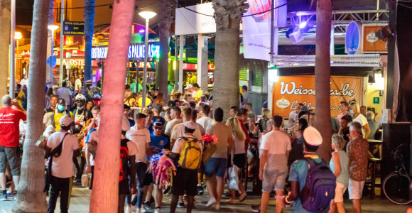 Maljorka jau kenčia nuo turistų: chaosas ir baudos iki 600 tūkst. Eur