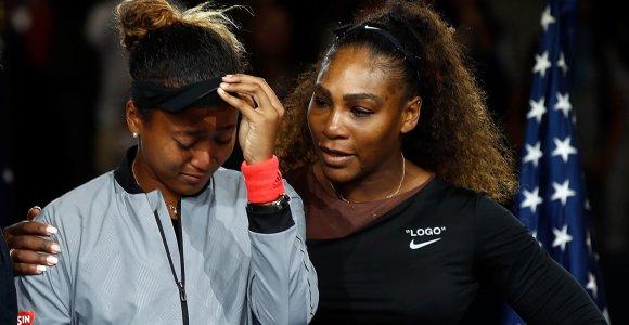 JAV teniso legendą aplenkusi 22-ejų japonė tapo geriausiai apmokama pasaulio sportininke