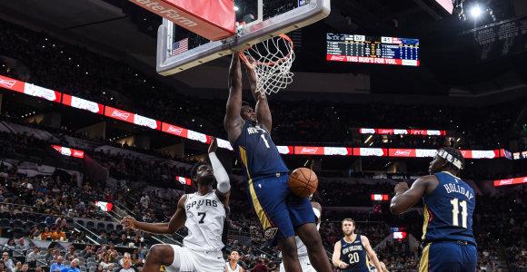 """Skrajojantis Z.Williamsonas surinko dvigubą dublį ir nukalė """"Pelicans"""" pergalę"""