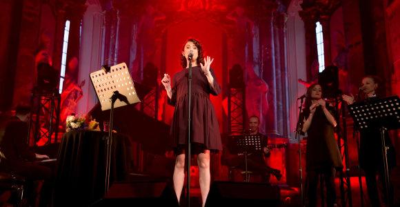 Motinystės atostogoms besiruošianti Erica Jennings koncerte Vilniuje atsisveikino su gerbėjais
