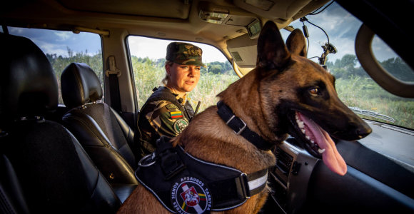Jos mus saugo. Pasienietė kinologė D.Zybartienė – apie meilę šunims, nusikaltėlių persekiojimą ir savęs atradimą