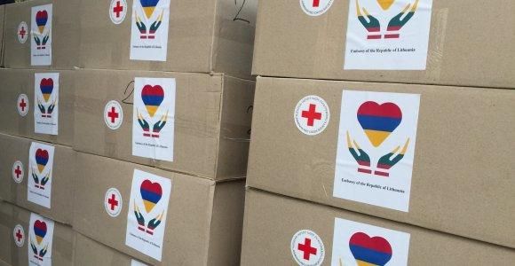 Lietuvos ambasada Armėnijoje perdavė humanitarinę paramą nukentėjusiems nuo karo Kalnų Karabache
