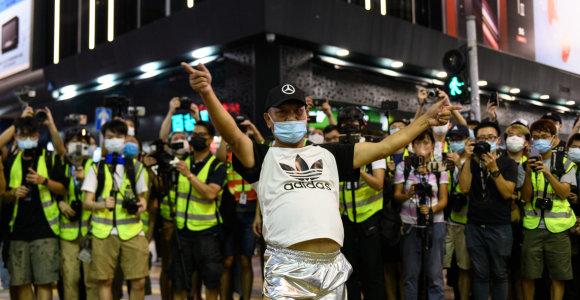 Honkongo policija per protestus prieš rinkimų atidėjimą sulaikė apie 90 žmonių