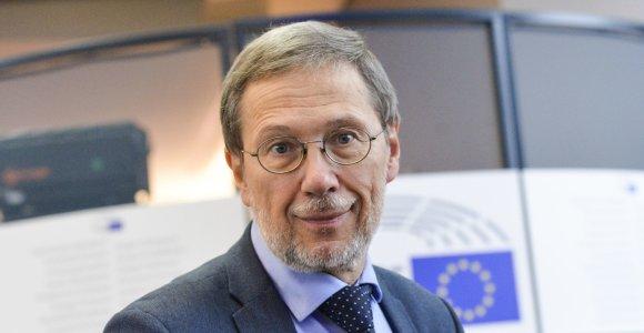 Liudas Mažylis: Sek paskui bitę – įseksi į medų, arba Bičių pergalė Europos Parlamente
