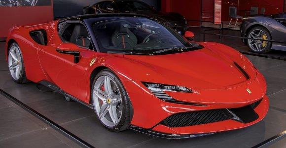 """""""Ferrari"""" atskleidė, kada sulauksime šios markės elektromobilio – jis pasirodys tik su viena sąlyga"""