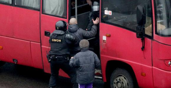 EP ragina griežčiau bausti Minsko režimą, atriboti jį nuo ES finansavimo