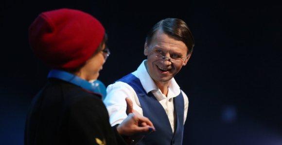 """Rolando Kazlo režisuoto spektaklio """"Pamoka"""" premjera: absurdas, kuriame daug prasmės"""