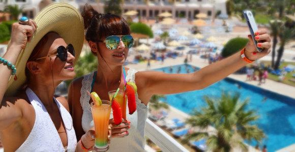 Vasarą klestintys verslai: degalinės, draudimo įmonės, kelionių organizatoriai, kazino