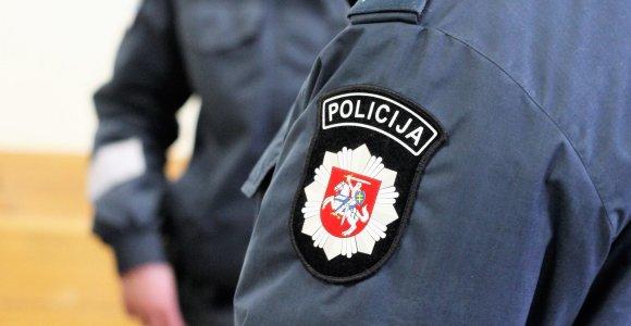 Sukčiavimu kaltinami 38 asmenys: teismo posėdis vienu metu vyko trijose vietose